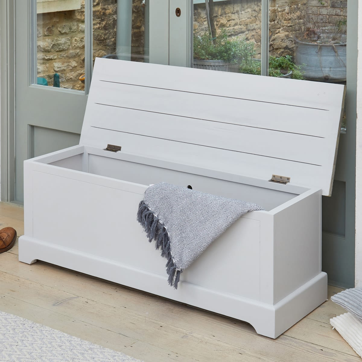 Strange Signature Grey Hallway Storage Bench Caraccident5 Cool Chair Designs And Ideas Caraccident5Info