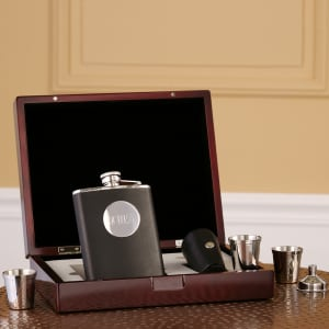 8-Piece Flask Set