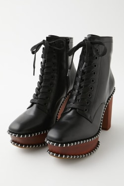 LACE UP WOOD SOLE BOOTS