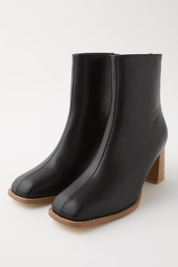 BACK ZIP MIDDLE boots