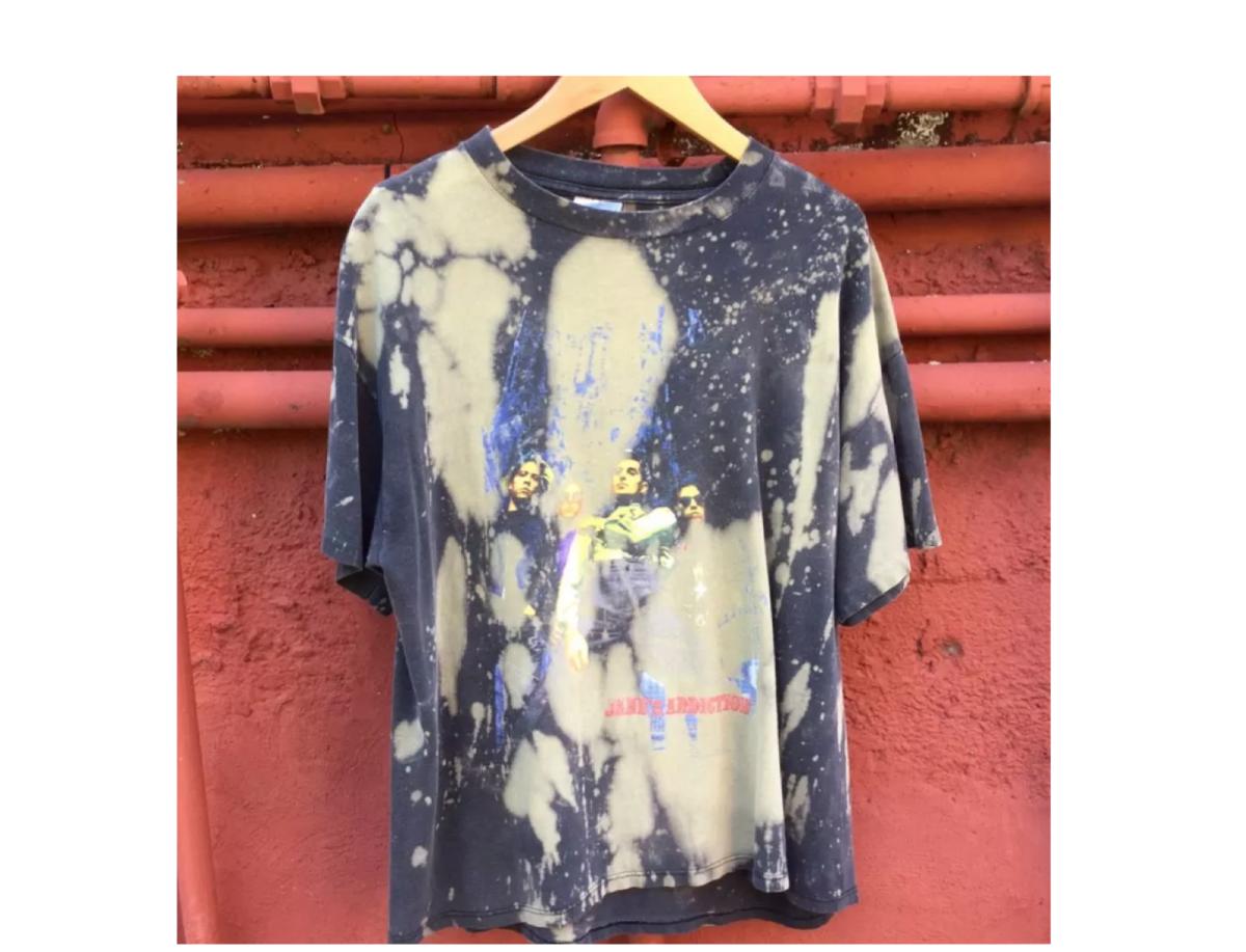 f52d50fb Top Shops to Scoop a Vintage T-Shirt