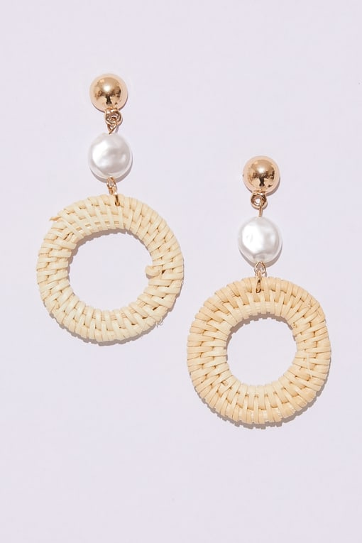 GOLD STRAW CIRCLE DROP EARRINGS