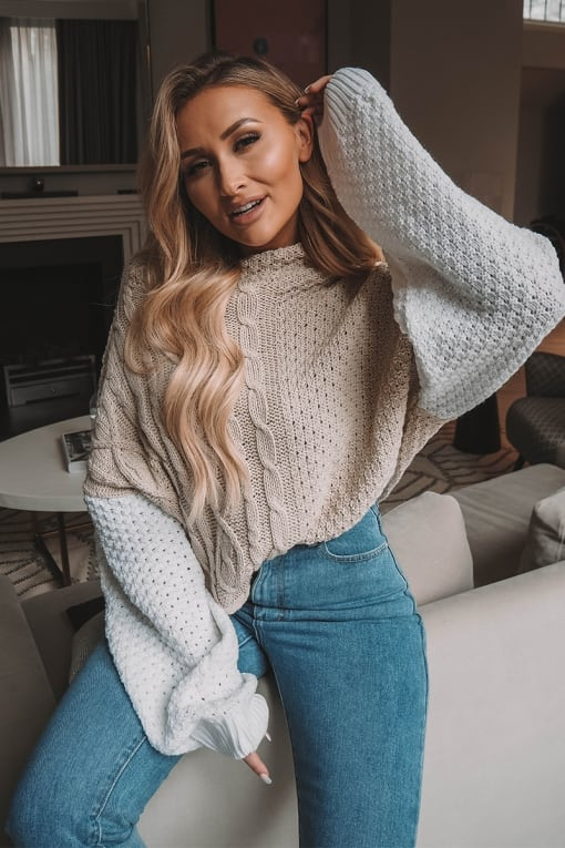 SARAH ASHCROFT STONE AND WHITE CABLE KNIT JUMPER