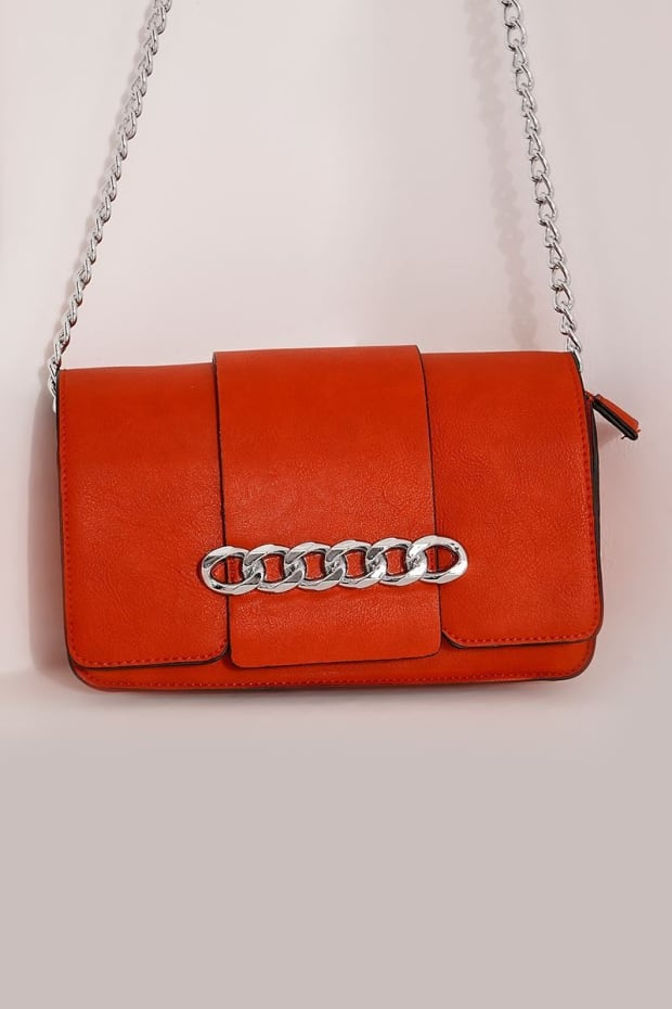 RED FAUX LEATHER CHAIN BUCKLE BAG