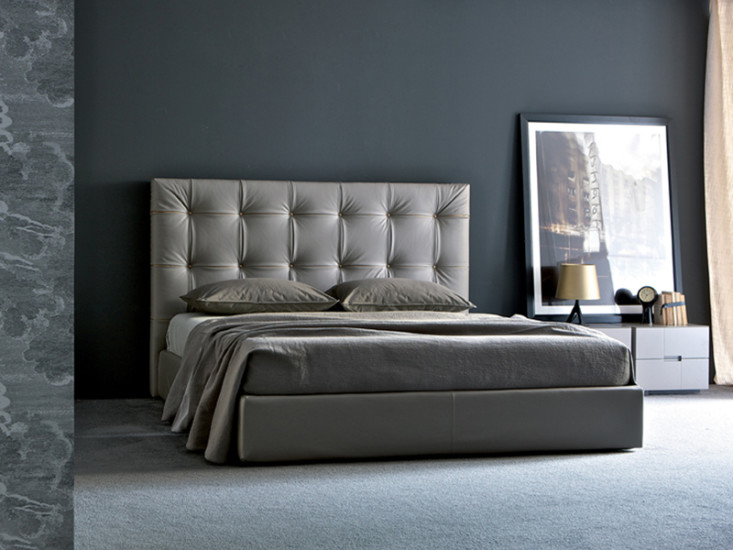 Camargue: Bed with storage 180 cm x 215 cm