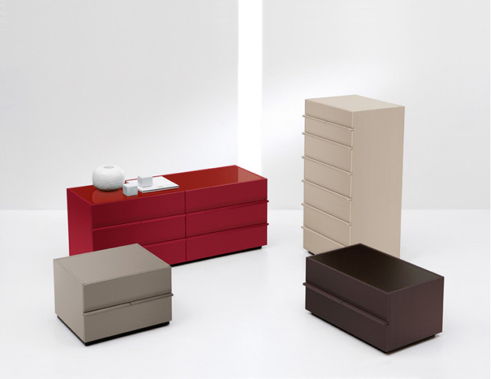 Aki: 7 drawers unit available in different versions