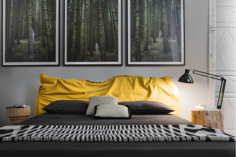 Big Hug: Bed upholstered in different fabrics with base 160 cm x 200 cm