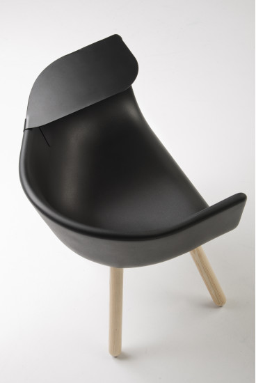 Tulip Large: Armchair available in different colours