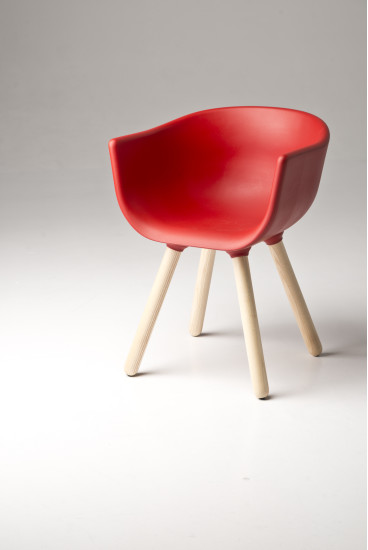 Tulip Small: Chair available in different colours