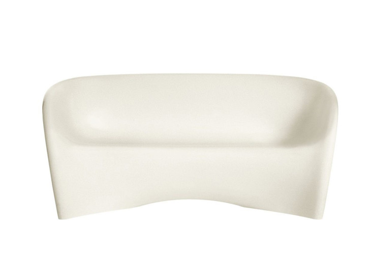 MT2: Sofa available in different finishings