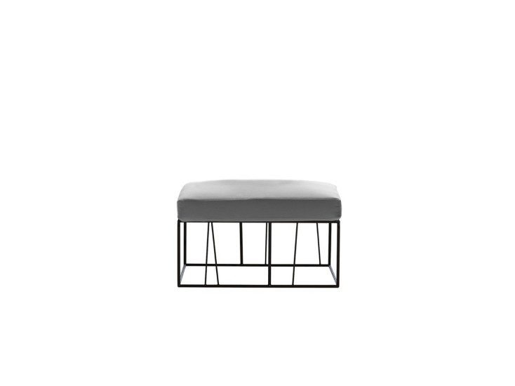 Hervé: Table / pouf with steel structure