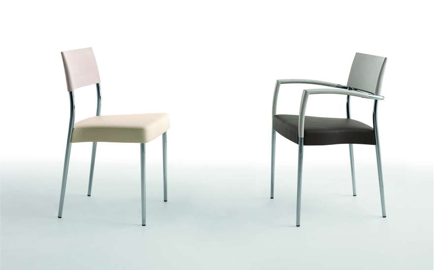 Airon: Chair with upholstered seat and top rail in solid wood