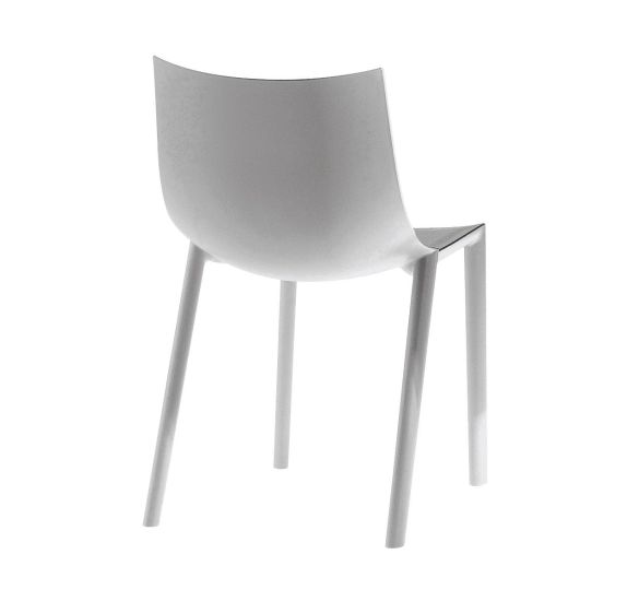 Bo: Chair available in different finishings