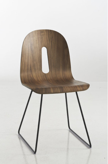 Gotham Woody SL: Chair with polished walnut shell