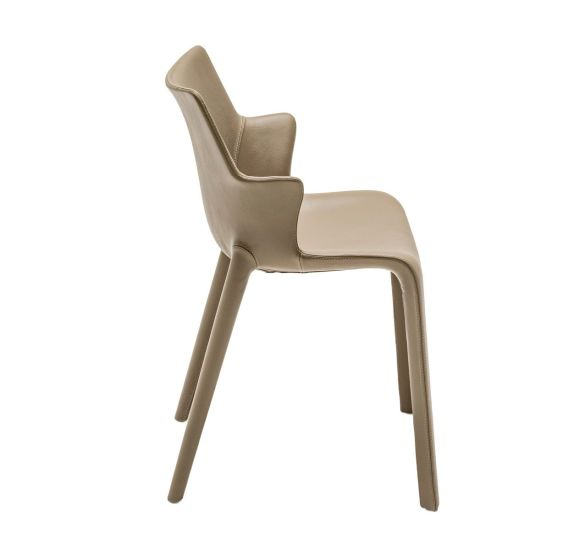 Lou Eat: Chair available in different finishings