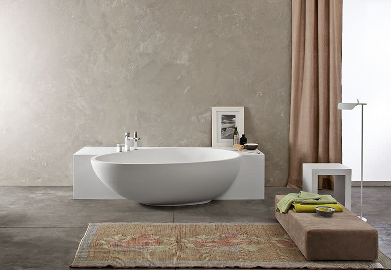 Bahia: Wall mount bath in different versions