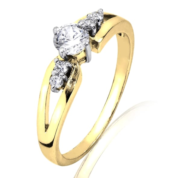 18K Gold and 0.30 Carat F Color VS Clarity Diamond Ring.