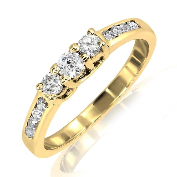 แหวนทอง 18K ประดับเพชร น้ำหนักรวม 0.42 กะรัต ค่าสี E ค่าความสะอาด VS