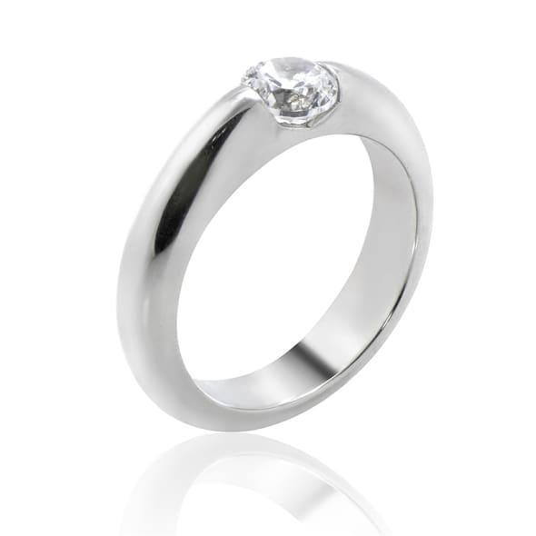 แหวนทอง 18K ประดับเพชร น้ำหนักรวม 0.40 กะรัต ค่าสี D ค่าความสะอาด VVS1 EX/EX/EX เพชรมาพร้อมใบรับรองจากสถาบัน GIA