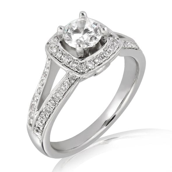 แหวนทอง 18K ประดับเพชร น้ำหนักรวม 0.70  กะรัต ค่าสี E (น้ำ 99) ค่าความสะอาด VS2 EX/EX/EX เพชรมาพร้อมใบรับรองจาก GIA