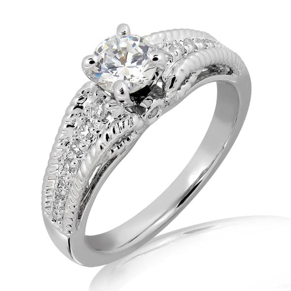 แหวนทอง 18K ประดับเพชร น้ำหนักรวม 0.45 กะรัต ค่าสี E ค่าความสะอาด VS2 เพชรมาพร้อมใบรับรองจาก GIA