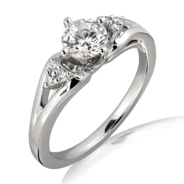 แหวนทอง 18K ประดับเพชร น้ำหนักรวม 0.36 กะรัต ค่าสี F ค่าความสะอาด VVS2 เพชรมาพร้อมใบรับรองจาก GIA