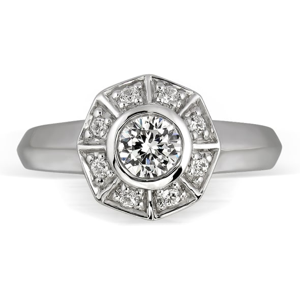 แหวนทอง 18K ประดับเพชร น้ำหนักรวม 0.35 กะรัต ค่าสี E ค่าความสะอาด VS1