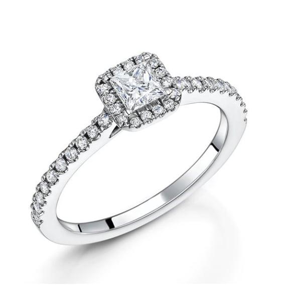 แหวนทอง 18K ประดับเพชร น้ำหนักรวม 0.62 กะรัต ค่าสี G ค่าความสะอาด VS