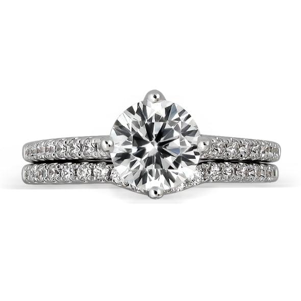 แหวนทอง 18K ประดับเพชร น้ำหนักรวม 0.81 กะรัต ค่าสี D ค่าความสะอาด VVS1 EX/EX/EX เพชรมาพร้อมใบรับรองจากสถาบัน GIA และแหวนเพชร Matching Band