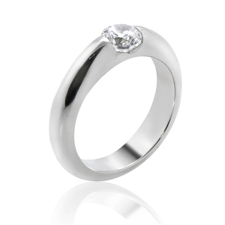 แหวนทอง 18K ประดับเพชร น้ำหนักรวม 1.04 กะรัต ค่าสี D ค่าความสะอาด SI1 EX/EX/EX เพชรมาพร้อมใบรับรองจากสถาบัน IGL