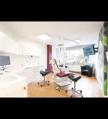 Behandlungsraum2 praxis dr kuipersigiaf1
