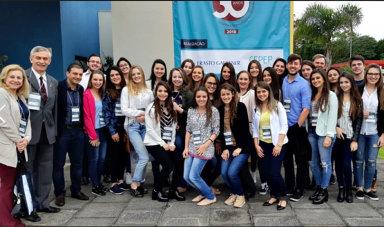 Curso de Odontologia participa do 8º Congresso Sul brasileiro de Câncer Bucal de Curitiba