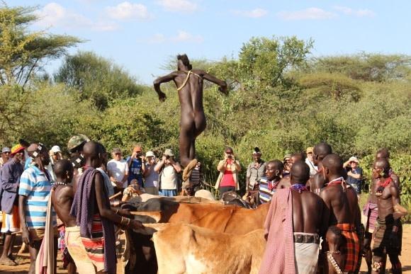 580 Day 7 - Bulljumping of the Hamer Tribe in Turmi (5)