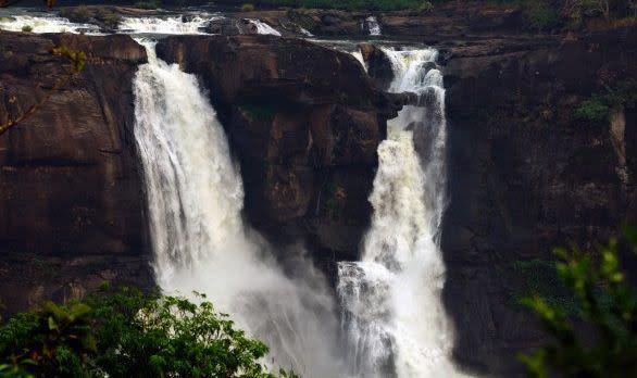 Athirapally Wasserfälle in Kerala, Indien