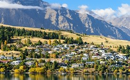 Enchanting Travels New Zealand Tours Landscape of Queenstown, New Zealand