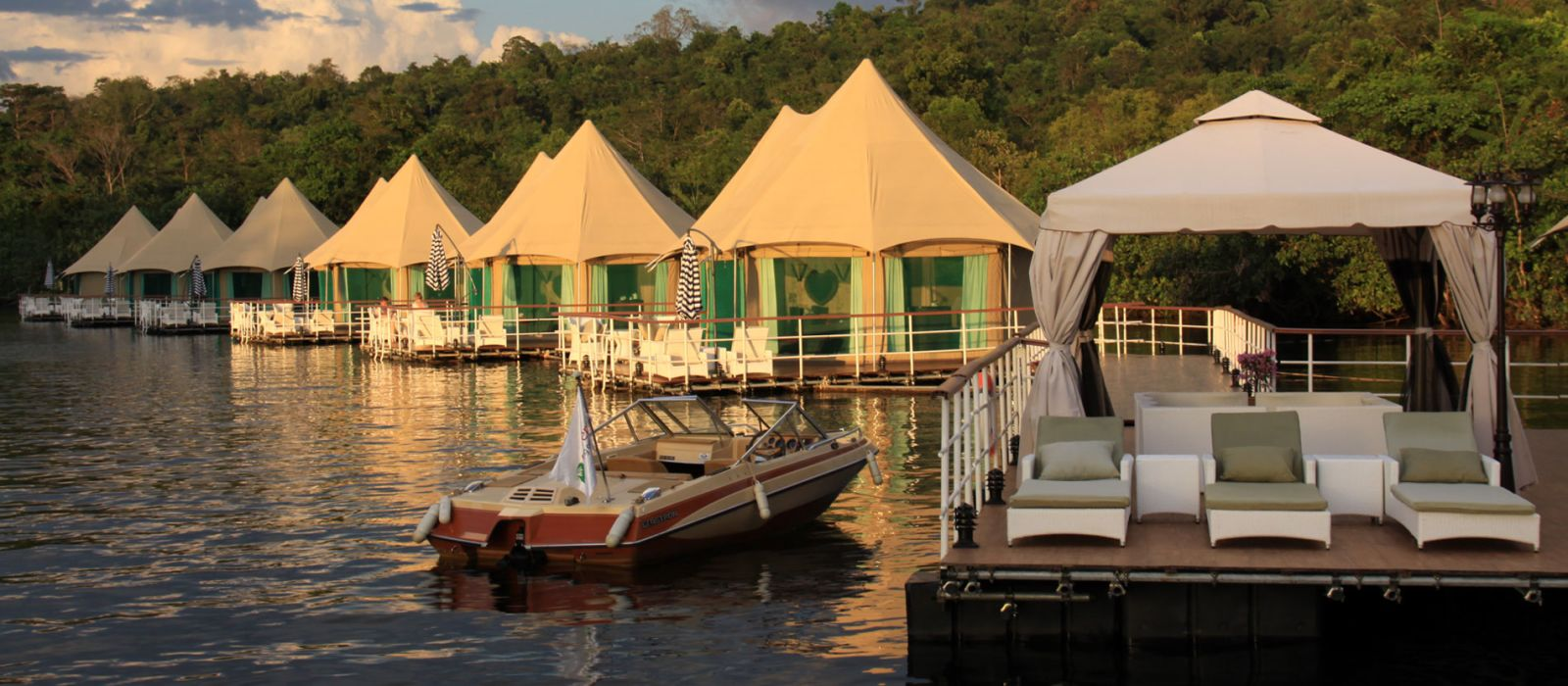 Hotel 4 Rivers Floating Lodge Cambodia