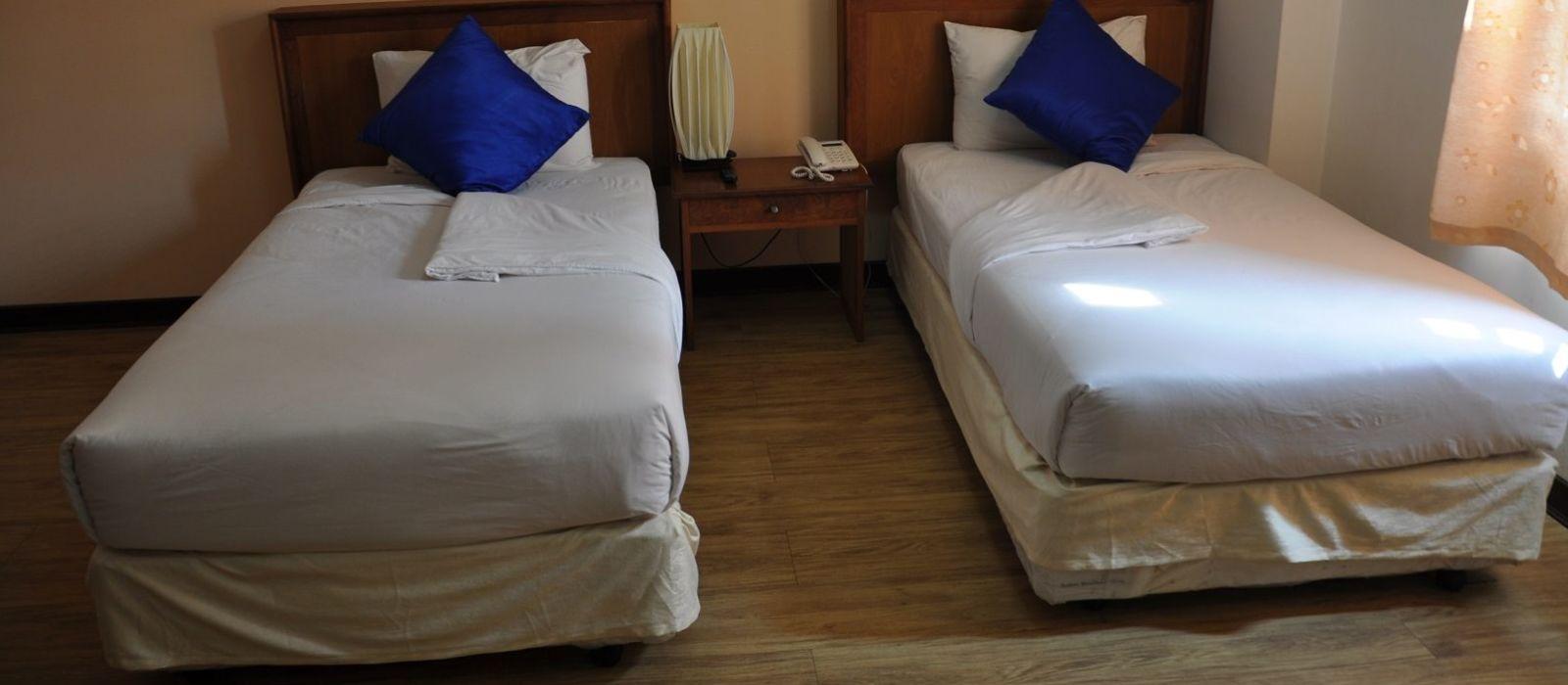 Hotel  Zayar Htet San %region%