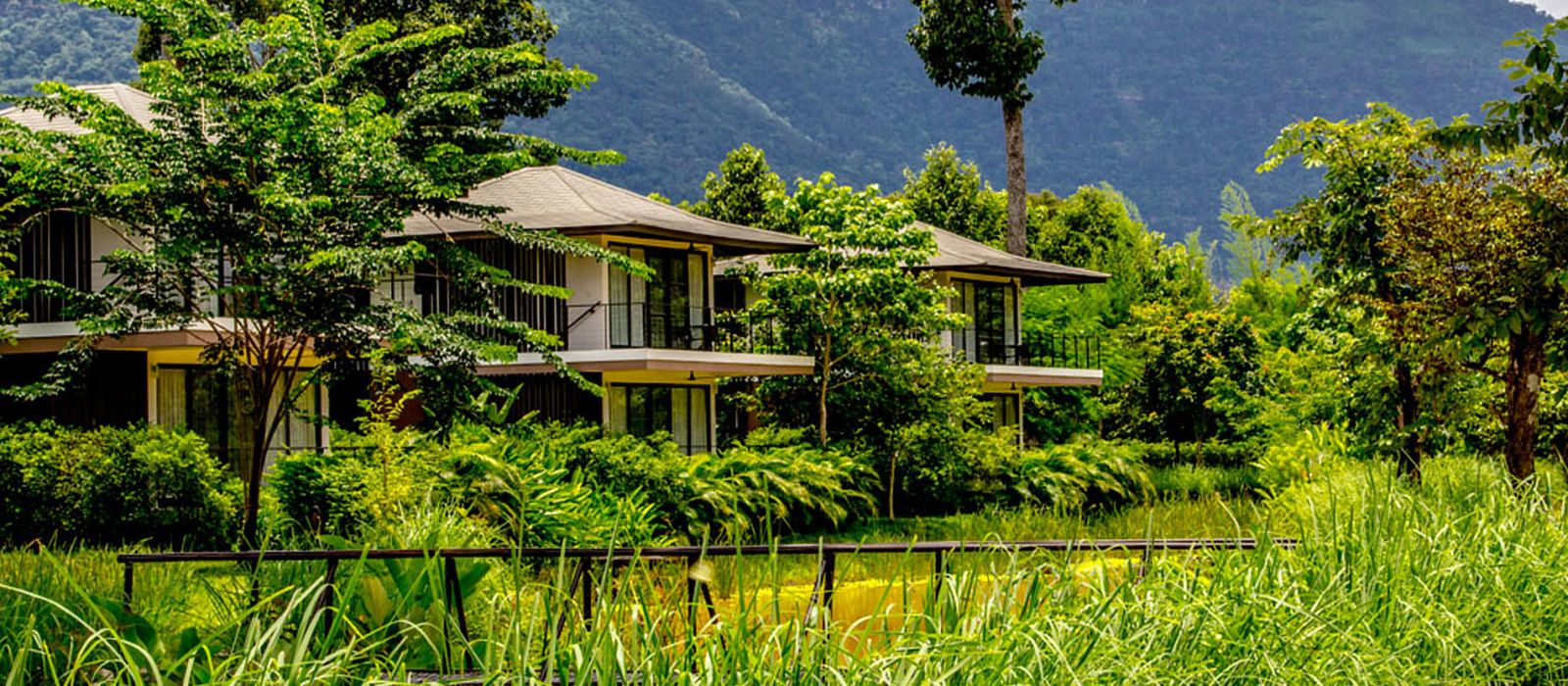 Hotel The River Resort Laos