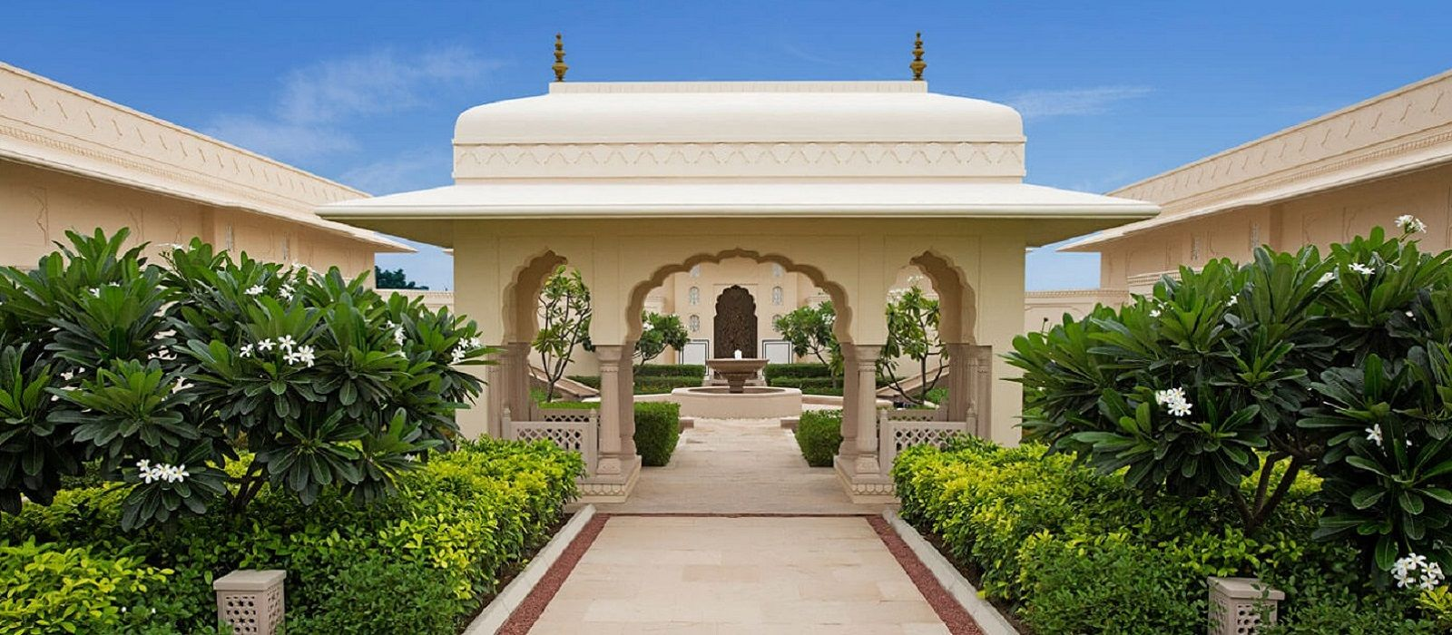 Hotel The Oberoi Sukhvilas Spa Resort North India