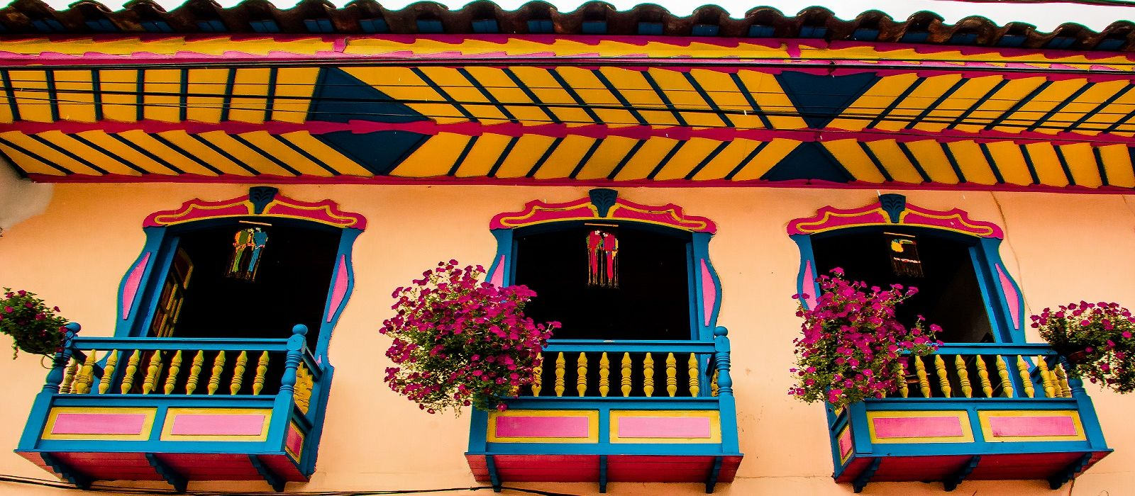 Colombia: Colorfully Yours Tour Trip 1