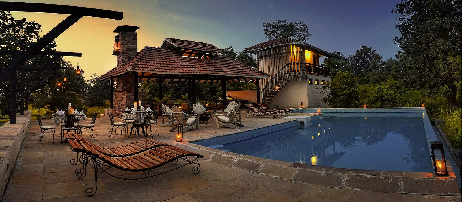 Hotel Denwa Backwater Escape Central & West India