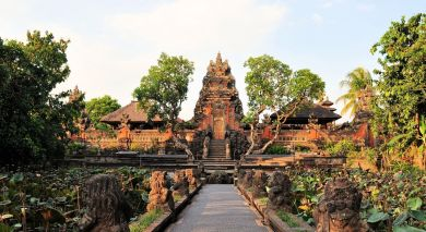 Example private tour: Culture and Beaches of Indonesia