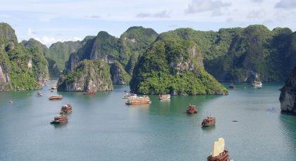 Destination Halong Bay in Vietnam