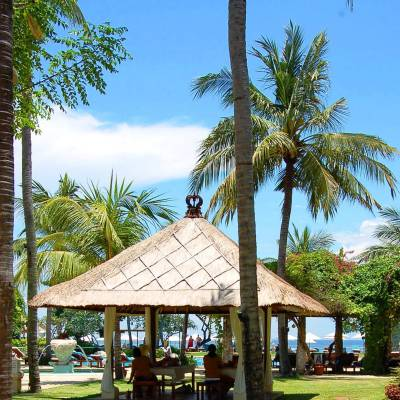 Biwana Spa outdoor massage