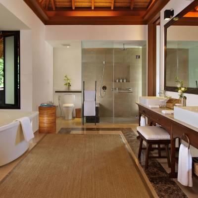 Canopy Villa Bathroom