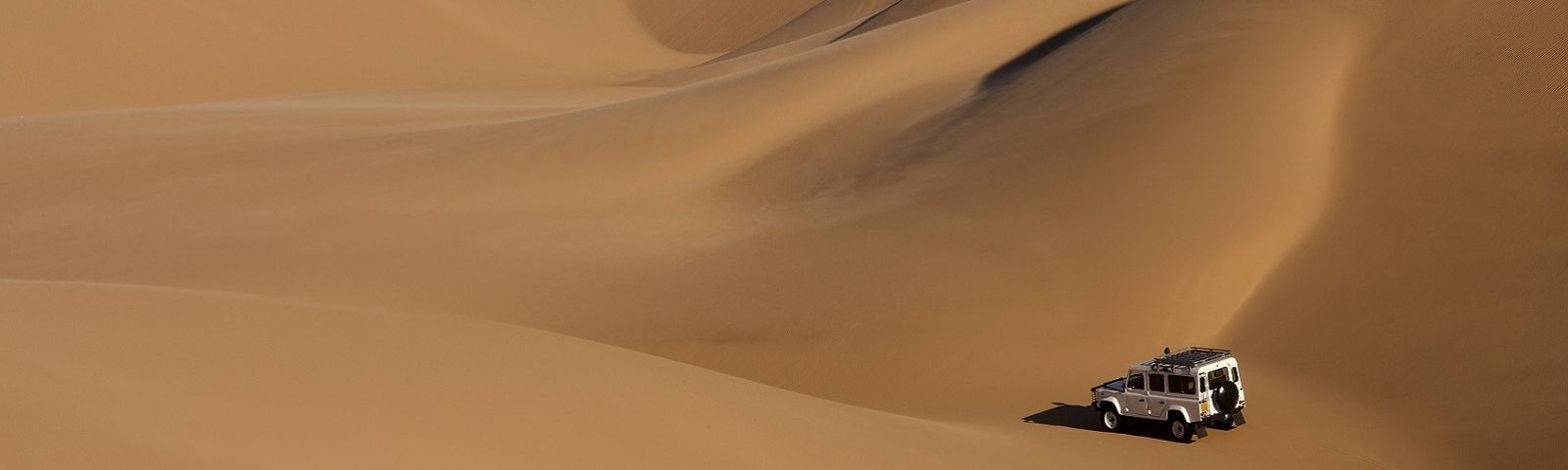 Namibia Travel safety: Driving in the desert landscape