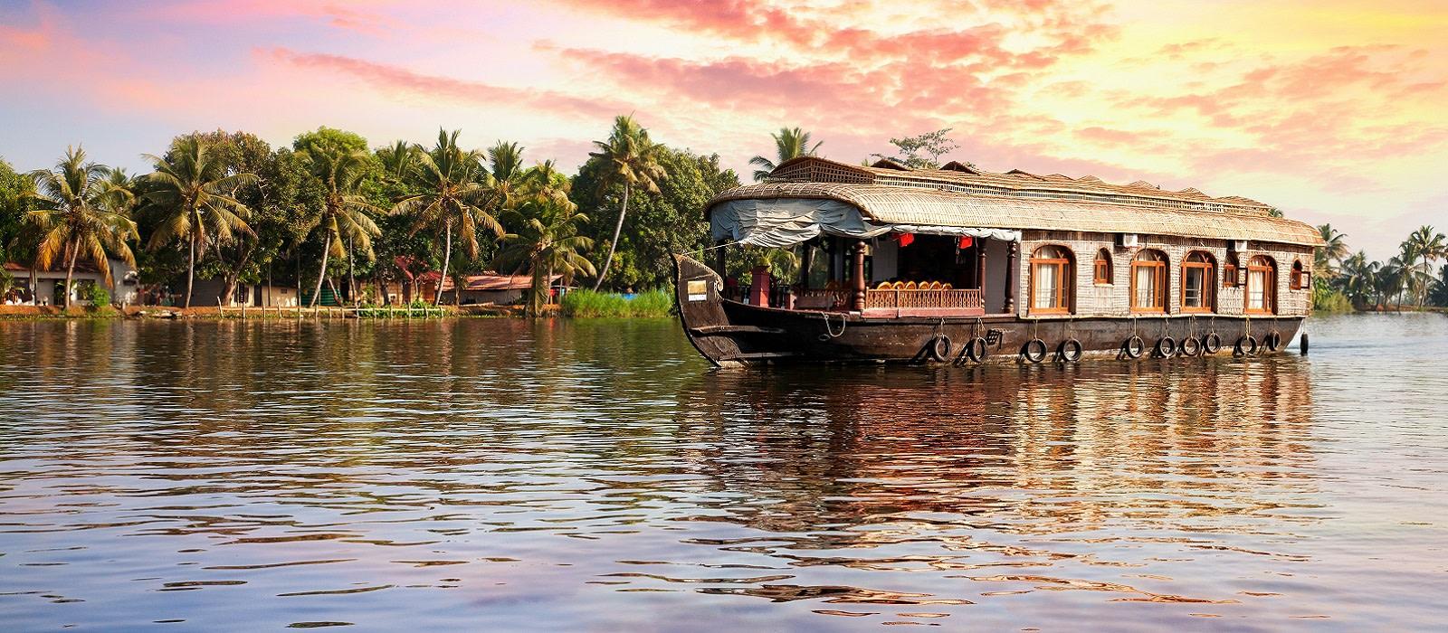 Enchanting Travels Houseboat Kerala - things to do in Kerala