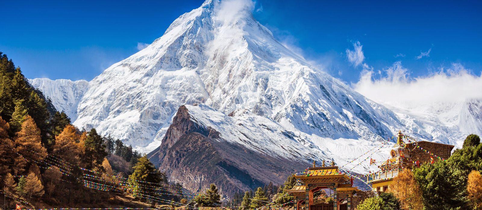 Erleben Sie auf Ihrer Nepal Rundreise imposante Bergwelten - Ausblick auf den Himalaya