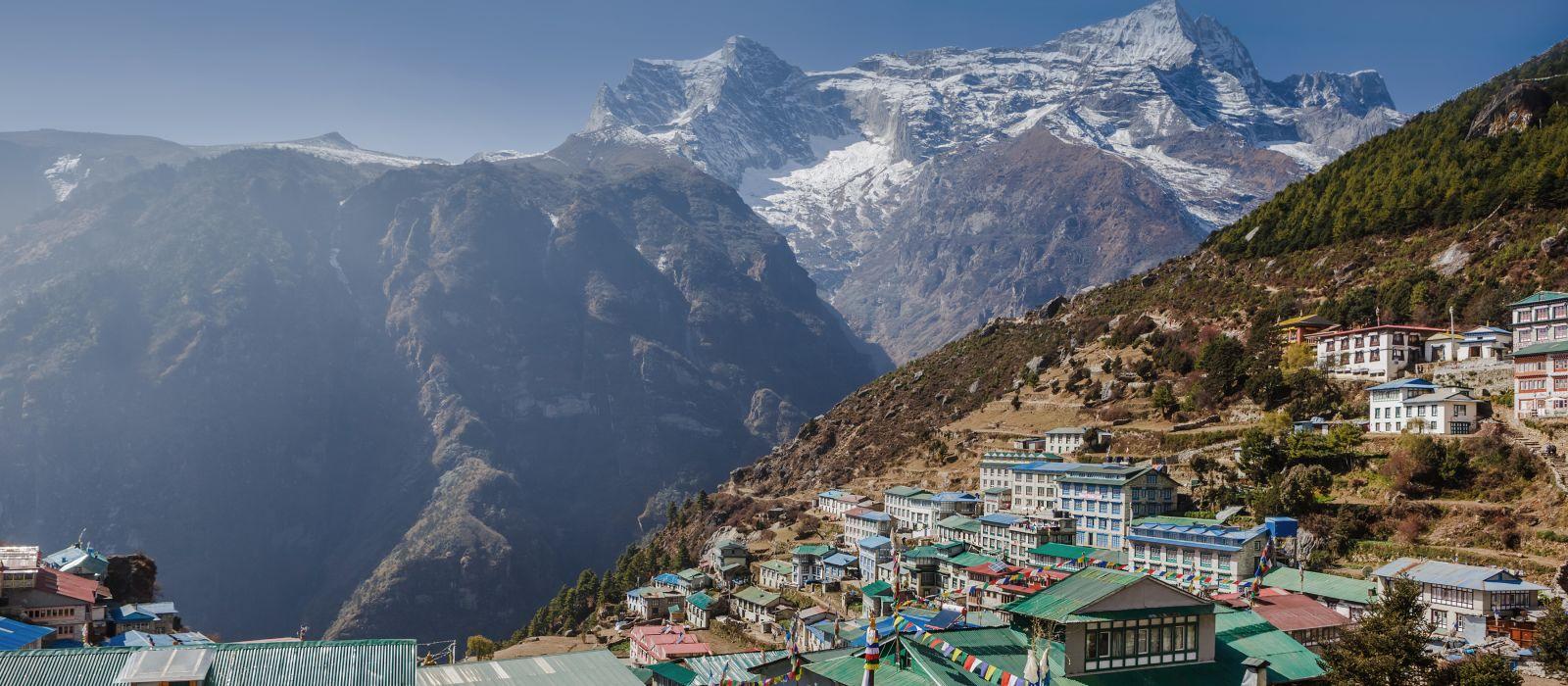 Blick auf den Namche Bazar, Bezirk Khumbu, Himalaya, Nepal, Asien