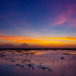 Tropischer Sonnenuntergang in Lombok, Indonesien